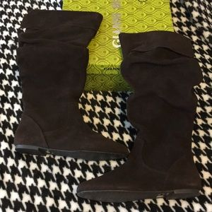 Never worn Gianni Bini suede boots.